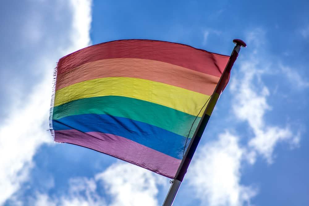 Lesbiske Piger Himlen I Svømmebassinet I Denne…